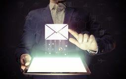 De online post, correspondentie, koppelt, rapportering terug Stock Afbeelding