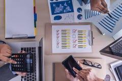 De online tijd van de Overzichtenevaluatie voor de Beoordeling van de overzichtsinspectie stock fotografie