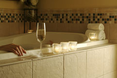 De Ontspannende Scène van de badkuip stock foto