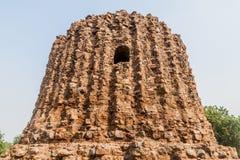 De onvolledige minaret van Alai Minar in Qutub complex in Delhi, Indi royalty-vrije stock foto's