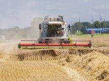 De oogstmachine royalty-vrije stock afbeeldingen