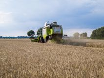 De oogstmachine stock afbeelding