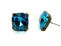 De oorringen van juwelen met btight turkooise kristallen Royalty-vrije Stock Foto's