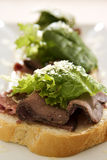 De open Sandwich van het Rundvlees van het Braadstuk Stock Afbeelding