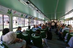 De openbare watertaxi of het water vervoert (Vaporetto) in Venetië, Italië per bus Stock Fotografie