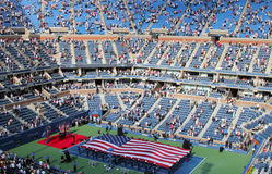 De openingsceremonie van de definitieve gelijke van US Openmensen in Billie Jean King National Tennis Center Stock Fotografie