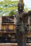 De openlucht Doorstane Ruïnes van Polonnaruwa van het Standbeeld van Boedha Royalty-vrije Stock Afbeeldingen
