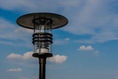 De openlucht moderne achtergrond van de lamp blauwe hemel Stock Afbeeldingen