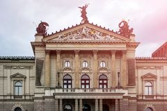 De Opera van de Staat in Praag stock foto's