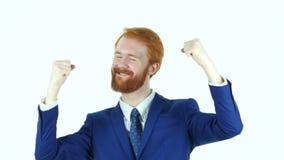De opgewekte Rode Zakenman Celebrating Success van de Haarbaard stock footage