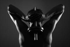 De opleiding van de mens met gewicht Stock Afbeelding