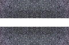 De oppervlakte van het wegasfalt met een patroon van witte lijnen Royalty-vrije Stock Foto's