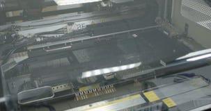 De oppervlakte zet technologie SMT op Machine stock footage