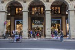 De opslag van Ovs in Bologna stock afbeelding