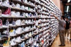 De opslag van schoenen. Stock Afbeeldingen
