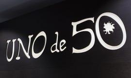 De opslag van de Spaanse firma van juwelen en namaakbijouterie UNOde50 op het centrale vierkant van het kapitaal stock afbeelding