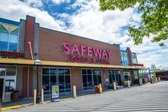 De opslagingang van de Safewaykruidenierswinkel stock foto