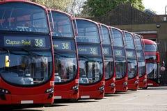 De opstelling van de Bussen van het Dek van Dobule royalty-vrije stock afbeelding