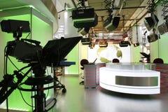 De opstelling van de het nieuwsstudio van TV Royalty-vrije Stock Afbeeldingen
