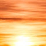 De oranje en gele hemel van de kleurenzonsondergang Royalty-vrije Stock Afbeelding