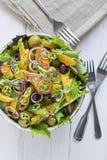 De oranje en Rode salade van de Ui stock afbeeldingen