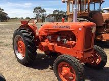 De oranje tractor van Allischalmers Royalty-vrije Stock Afbeeldingen