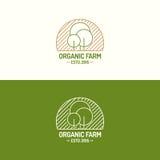 De organische vastgestelde rassenbarrière van het landbouwbedrijfembleem met bomen voor vers landbouwbedrijf Stock Foto
