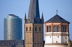De Oriëntatiepunten van Dusseldorf stock foto's