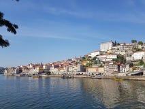 De oriëntatiepunten van Evropeportugal porto stock foto's