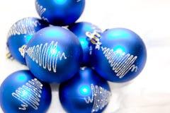 De Ornamenten van Kerstmis van het glas Stock Afbeeldingen