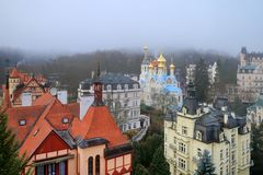 De orthodoxe Kerk in Karlovy varieert Stock Afbeelding