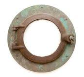 De oude Antieke Patrijspoort van het Schip die met Wegen wordt geïsoleerdt stock afbeeldingen