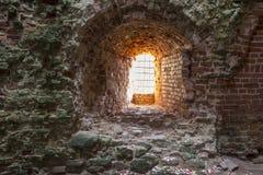De oude baksteentexturen van het Livonia-Ordekasteel werden gebouwd in het midden van de 15de eeuw Bauska Letland Stock Foto's