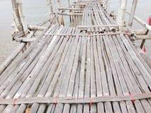 De Oude bamboebrug Royalty-vrije Stock Afbeeldingen