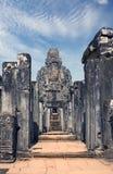 De oude Bayon-Tempel 12de eeuw in Angkor Wat, Siem oogst, Kambodja stock fotografie