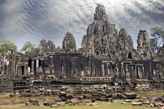 De oude Bayon-Tempel 12de eeuw in Angkor Wat, Siem oogst, Kambodja stock afbeelding