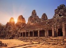 De oude Bayon-Tempel 12de eeuw in Angkor Wat, Siem oogst, Kambodja stock afbeeldingen