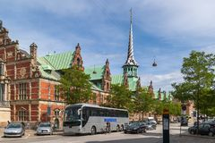 De Oude Beurs - Kopenhagen stock afbeeldingen