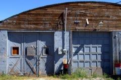 De oude blauwe bouw Stock Afbeeldingen