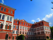 De oude bouw in barokke stijl, Kamenets Podolskiy, de Oekraïne royalty-vrije stock foto's