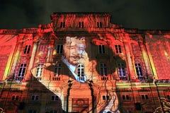 De oude bouw in het festival van licht, de oude stad van Lyon, Frankrijk Royalty-vrije Stock Fotografie