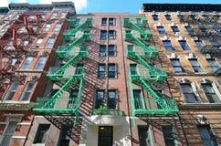 De oude bouw met brandtrap, de Stad van New York Stock Afbeelding