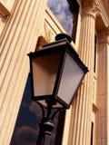 De oude Bouw met Lamp Stock Afbeelding