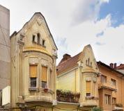 De oude bouw in Oradea roemenië stock afbeeldingen