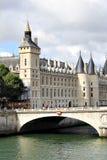 De oude bouw in Parijs Royalty-vrije Stock Afbeelding