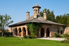 De oude bouw van het Klooster Mogosoaia, Paleis Mogosoaia Stock Afbeeldingen