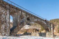 De oude brug van de steenspoorweg, de winter Stock Fotografie