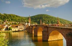De Oude Brug van Heidelberger en rivier, de zomer van 2010 Stock Foto's