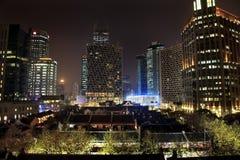 De oude Chinese Hoge Stijgingen Xintiandi Shanghai van Huizen Stock Foto