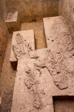 De oude die beenderen in de archeologische plaats en Dvaravati van Khonkaen worden ontgraven hebben 3000 Éénjarigen Royalty-vrije Stock Afbeeldingen